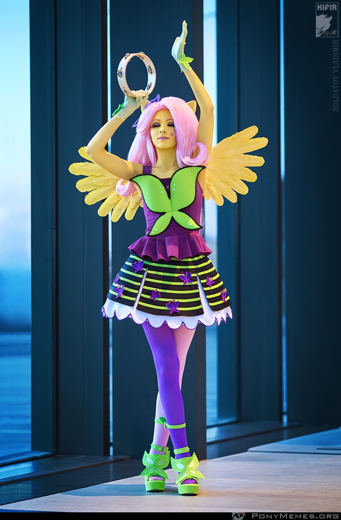 Equestria Girls Fluttershy cosplay